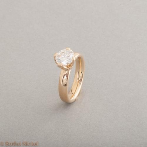 Verlobungsring aus 18 Karat Gold mit Brillant ca. 1.50ct, Botho Nickel Schmuck Hamburg, Juwelier und Goldschmiede