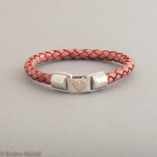 Armband aus Leder mit Goldherz, Botho Nickel Schmuck Juwelier und Goldschmiede