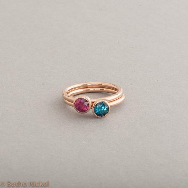 Ringe aus 18 Karat Gold mit Rubellit und Indigoilth, Botho Nickel Schmuck Hamburg, Juwelier und Goldschmiede