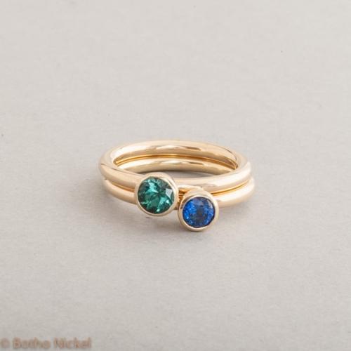 Ringe aus 18 Karat Gold mit Turmalin und Saphir, Botho Nickel Schmuck Hamburg, Juwelier und Goldschmiede