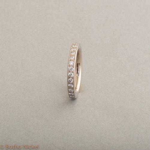 Ring aus 18 Karat Weissgold mit Brillanten 1ct. Botho Nickel Schmuck Hamburg Juwelier und Goldschmiede