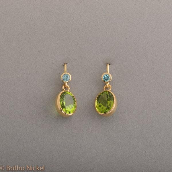 Ohrringe aus 18 Karat Gold mit Peridot und Zirkonen, Botho Nickel Schmuck Hamburg, Juwelier und Goldschmiede