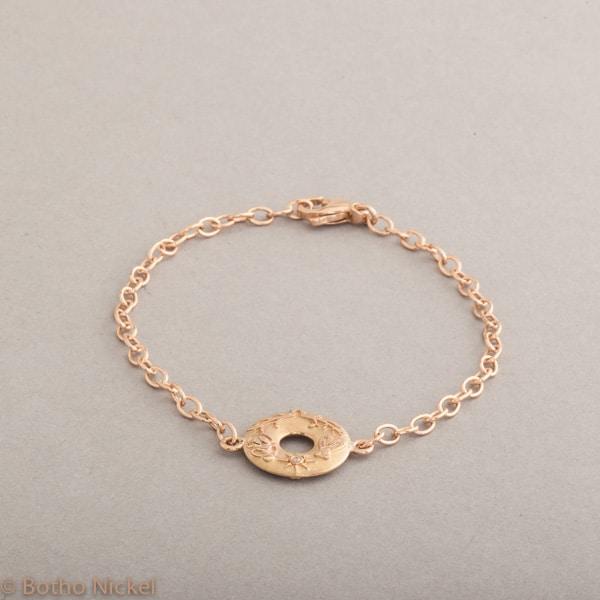 Armband aus 18 Karat Roségold mit Anhänger Confidence, Botho Nickel Schmuck Hamburg Juwelier und Goldschmiede