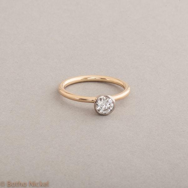 Verlobungsring aus 18 Kart Gold mit Brillant 0.45ct, Botho Nickel Schmuck Hamburg, Juwelier und Goldschmiede