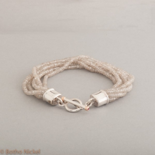 Armband aus Zirkonen mit Knebelverschluss aus Silber , Schmuck, Hamburg. Juwelier , Goldschmiede