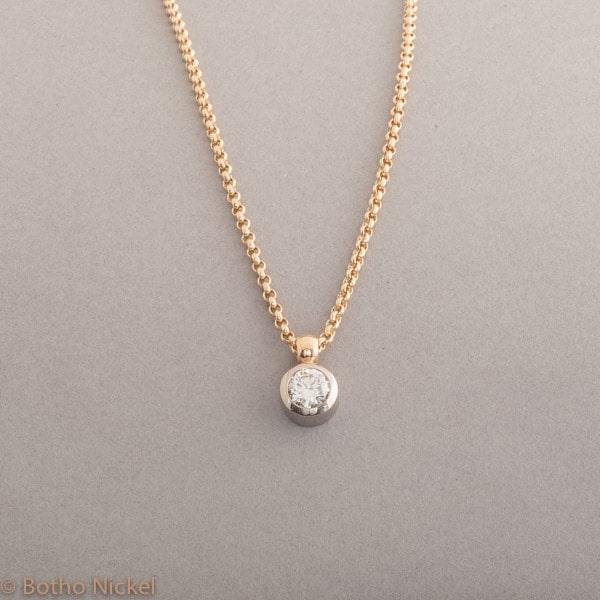 Kette aus 18 Karat Gold mit Brillant 0,81 ct , Botho Nickel Schmuck Hamburg, Juwelier und Goldschmiede