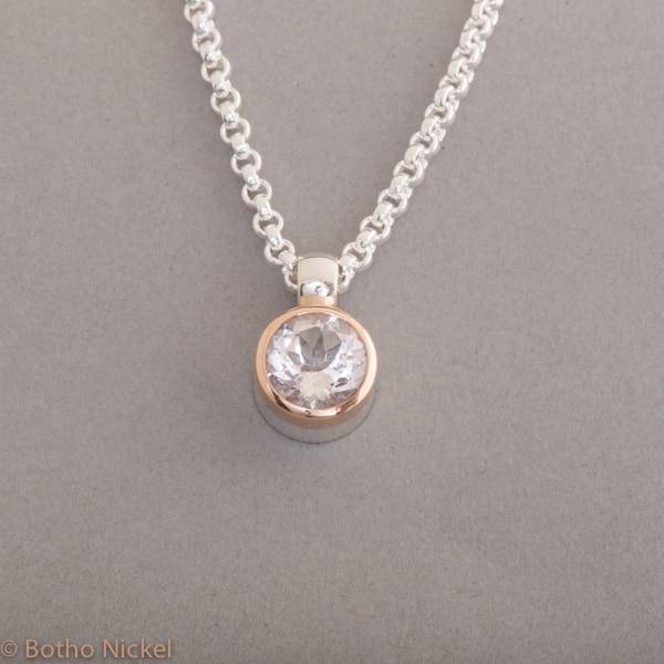 Kette aus Silber mit Morganit rund facettiert , Botho Nickel Schmuck Hamburg, Juwelier und Goldschmiede