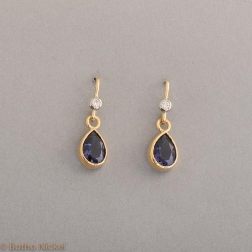 Ohrringe aus 18 Karat Gold mit Iolith und Brillanten, Botho Nickel Schmuck Hamburg Juwelier und Goldschmiede