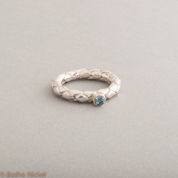Ring aus Silber mit Aquamarin, Fassung 18 Karat Gold, Botho Nickel Schmuck Hamburg, Juwelier und Goldschmiede